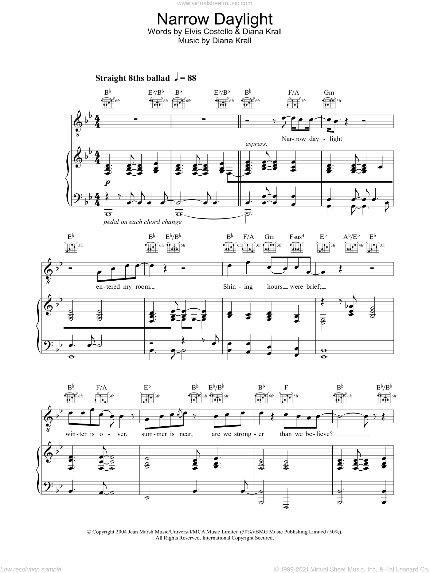 Narrow Daylight sheet music for voice, piano or guitar by Diana Krall. Score Image Preview.