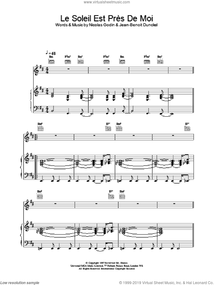 Le Soleil Est Pres De Moi sheet music for voice, piano or guitar by Nicolas Godin and Jean-Benoit Dunckel. Score Image Preview.
