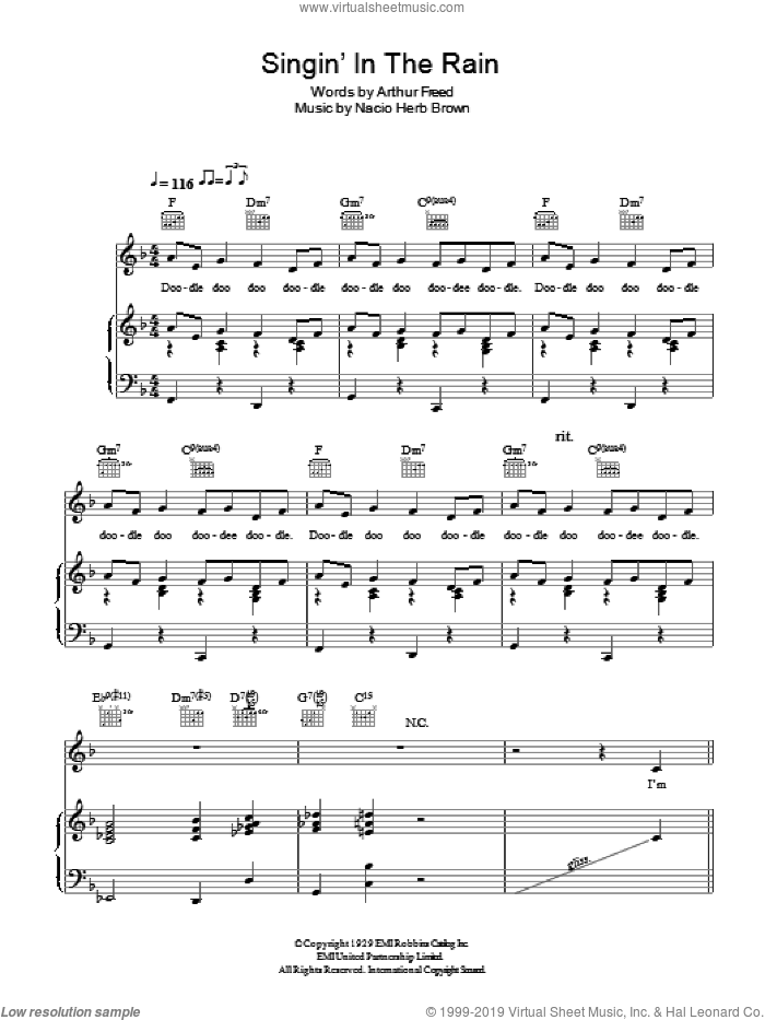 Singin' In The Rain sheet music for voice, piano or guitar by Nacio Herb Brown and Arthur Freed, intermediate. Score Image Preview.