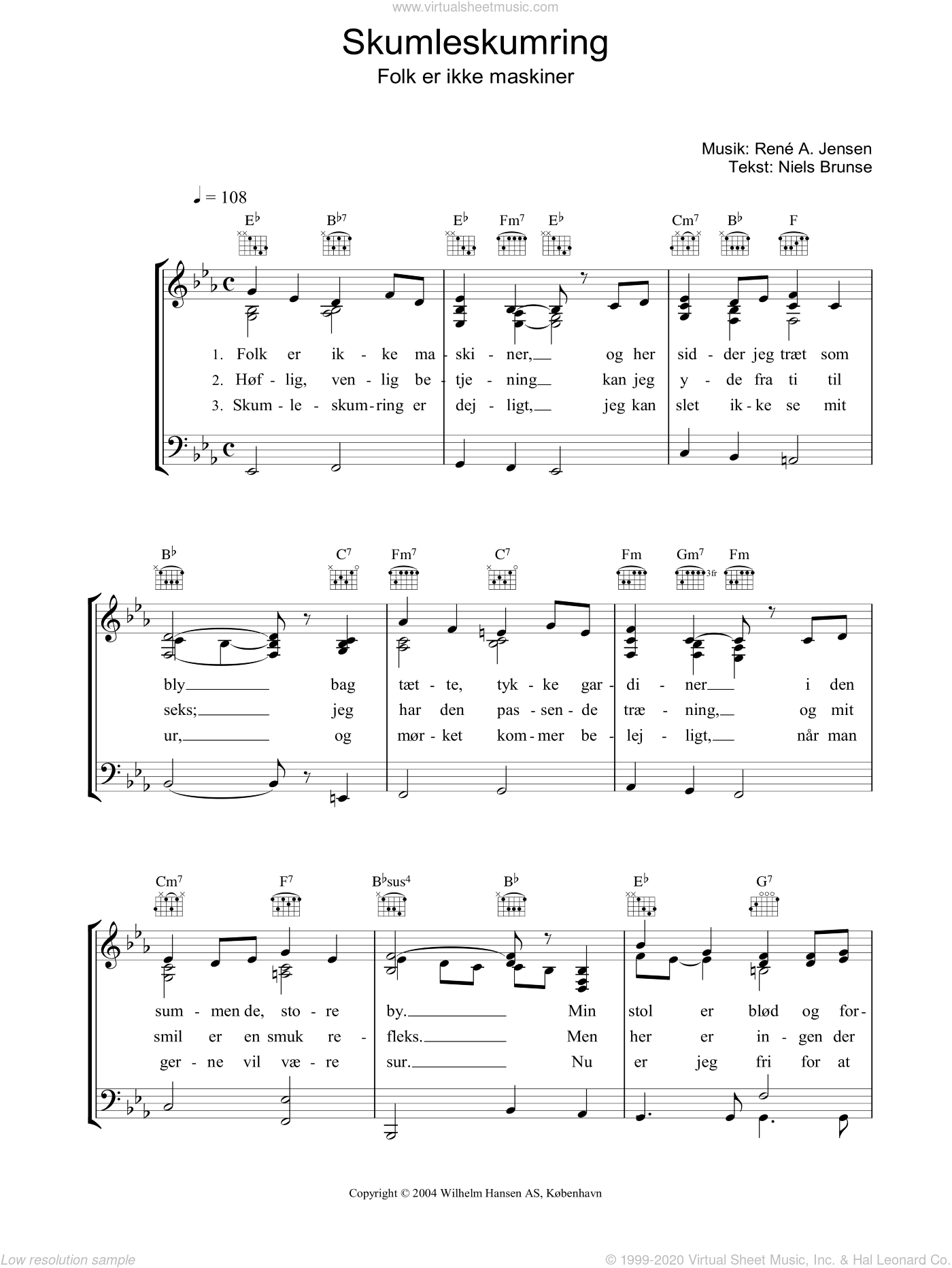 Skumleskumring sheet music for voice, piano or guitar by Niels Brunse. Score Image Preview.