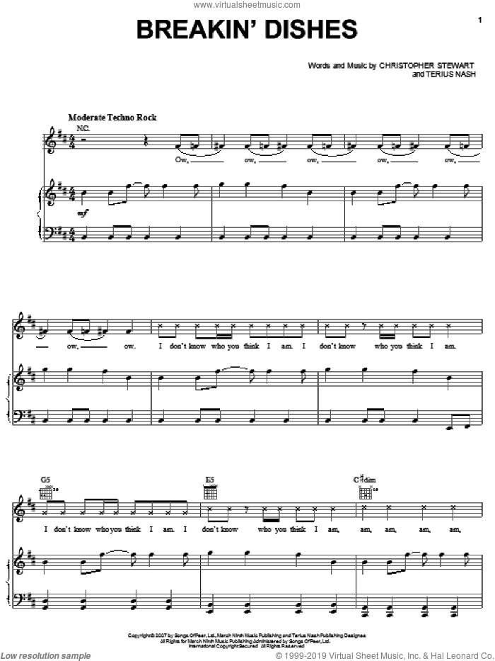 Breakin' Dishes sheet music for voice, piano or guitar by Terius Nash, Rihanna and Christopher Stewart. Score Image Preview.